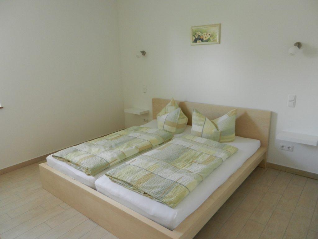 Schlafzimmer EG Haus 1
